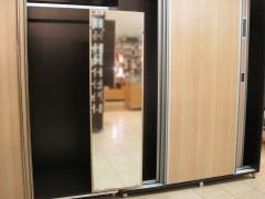 Механизъм за вграждане на огледало в гардероб